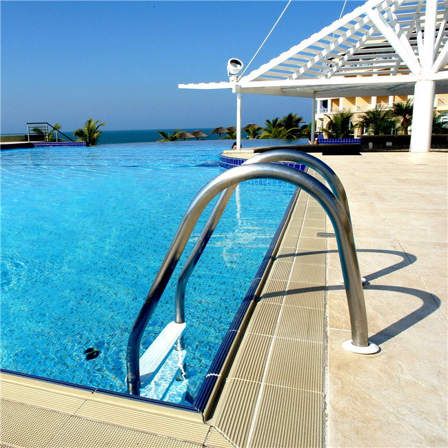 Non slip tile for swimming pool surround.jpg
